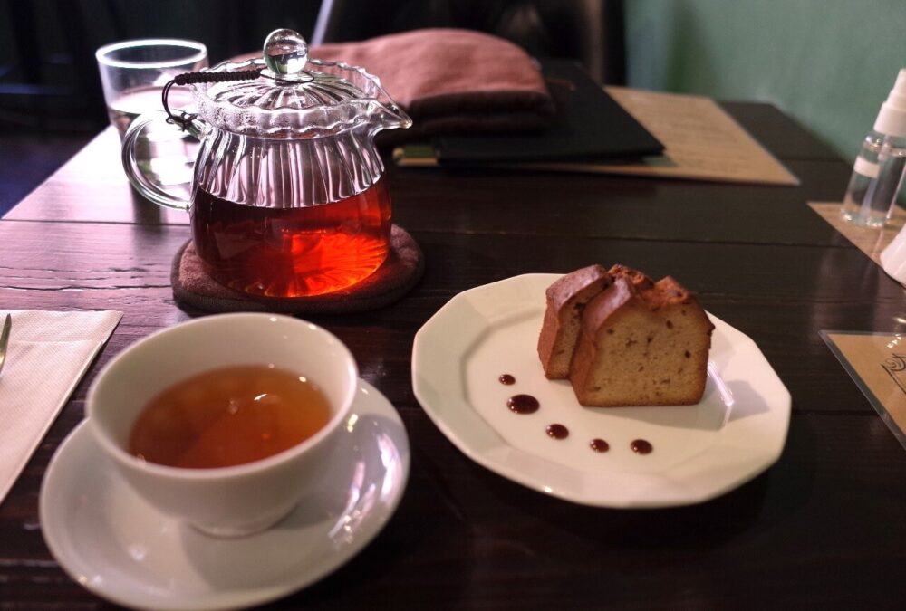紅茶とケーキのセット