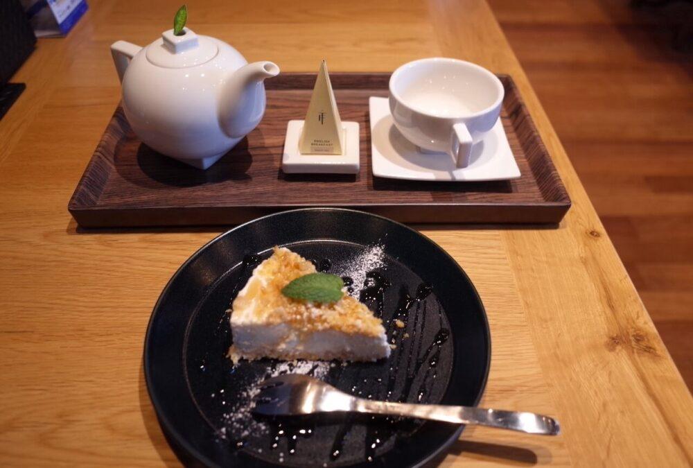 チーズケーキ+ホットティー