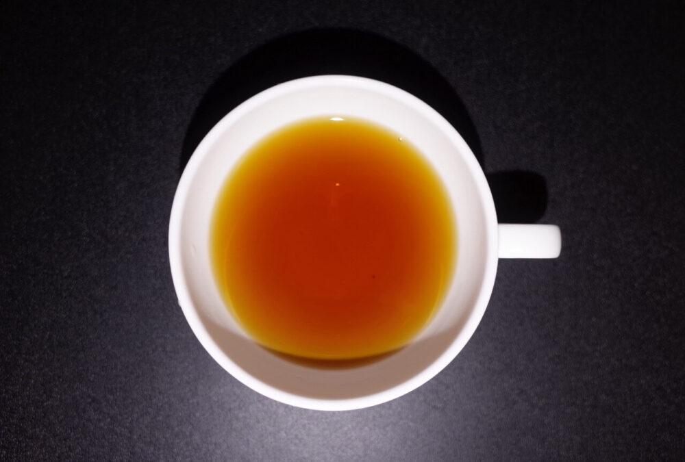 上から貴婦人の紅茶