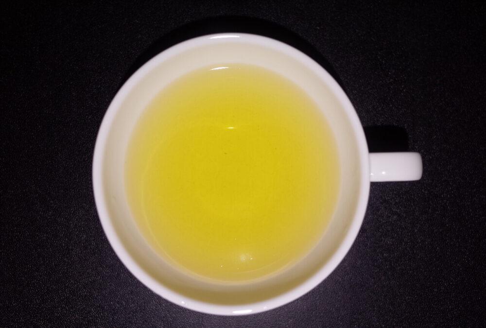 翡翠レモンティーの水色