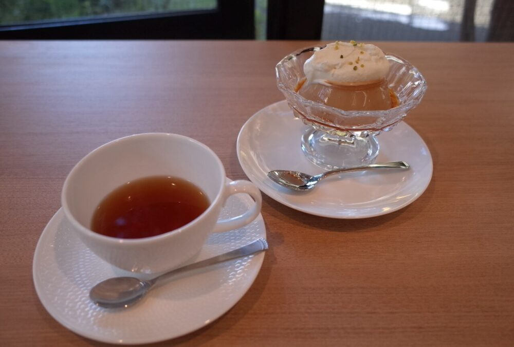 紅茶とミルクティープディング